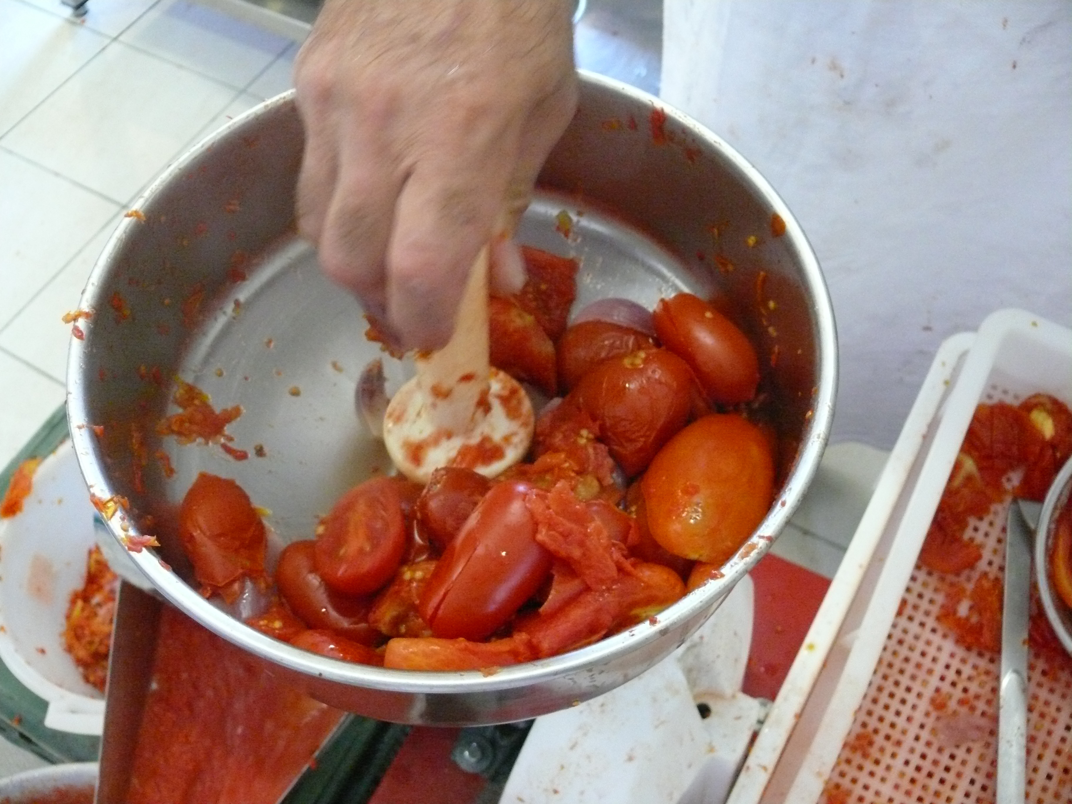 Lavorazione dei pomodori